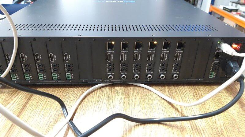 Blustream matriz panel trasero